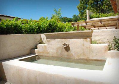 La fontaine privé de l'Oustalet