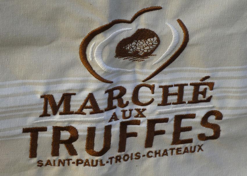 saint-paul trois chateaux le marché aux truffes